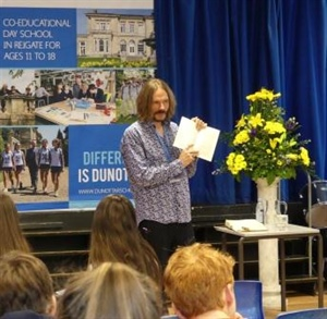 Dunottar School welcomes 'one of the outstanding poets of his generation'