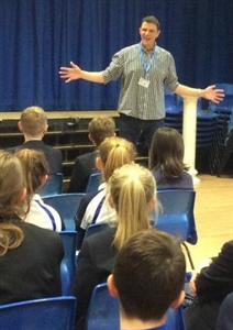 Feature Writer, Columnist and Travel Journalist Dave Smith visits Dunottar School