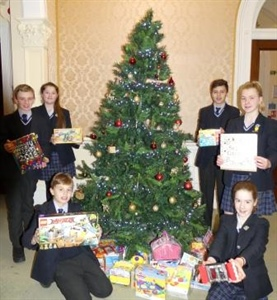 Pupils Raise over £300 to buy Christmas Presents for Children